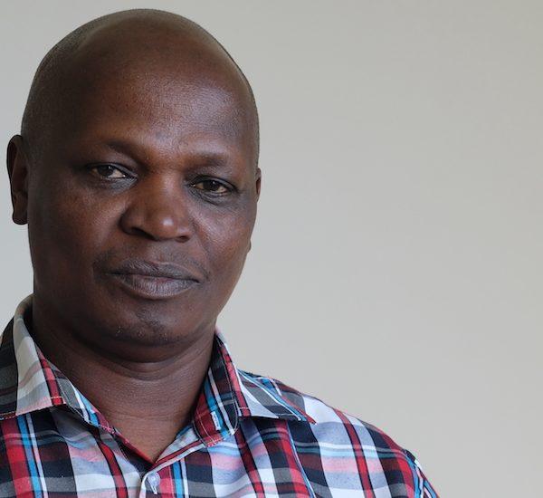 À la mémoire de Francis Kariuki : le chef tweetant d'Afrique Thumbnail
